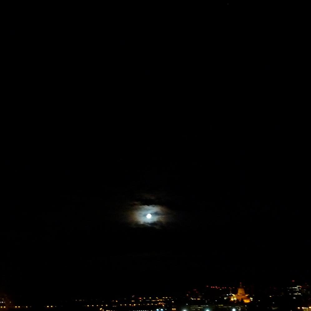 Moon: Ar ar ar ooooooooo